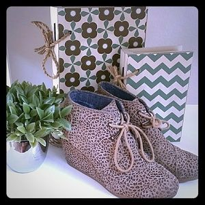 TOMS cheetah print wedges